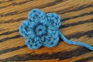 petite blue free flower pattern