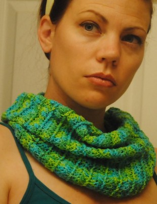 Sea Breeze Summer Cowl made with Silk Cloud- Mermaid at the Sea. #free #crochet #pattern #cre8tioncrochet