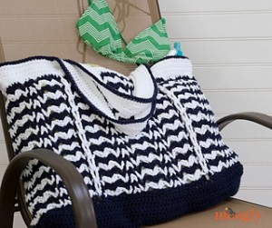 Day_at_the_Beach_Bag_chair_FB_size_small2
