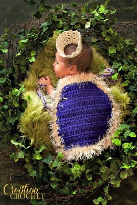 Kings Cape FREE crochet pattern for infant photo prop #cre8tioncrochet