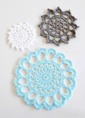 Aunt Aggies Trivets FREE pattern on Craftsy