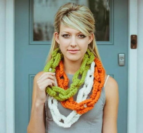 Jesamine Necklaces FREE crochet necklace pattern on Craftsy